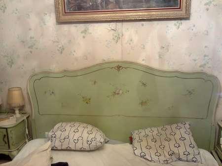 Photo ads/1148000/1148229/a1148229.jpg : Chambre à partager avec JH gay contre ménage