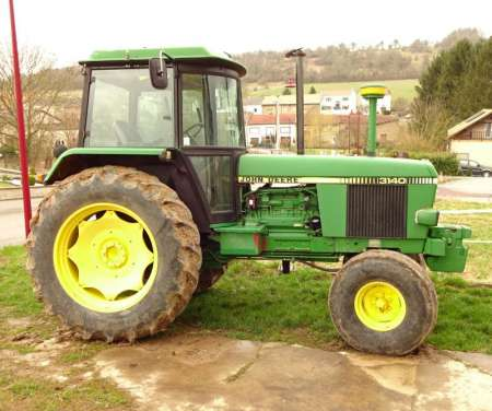 Photo ads/1160000/1160047/a1160047.jpg : Tracteur John Deere 3140 100 chevaux