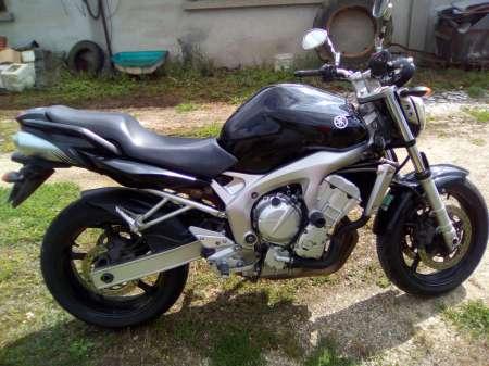 Photo ads/1271000/1271205/a1271205.jpg : Moto Yamaha année 2007