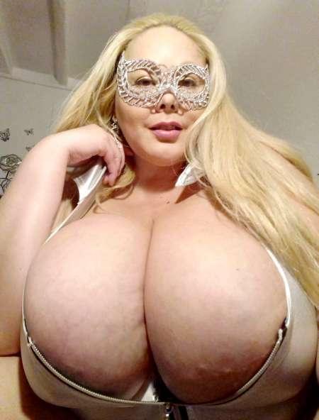 breasts escort marseille