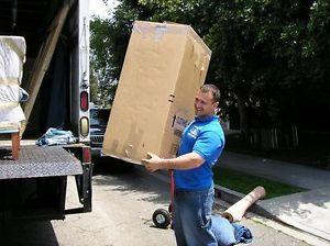 Photo ads/908000/908427/a908427.jpg : Location camion avec chauffeur et déménageurs 7jrs
